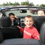 Jak-przewozic-dzieci-w-samochodach