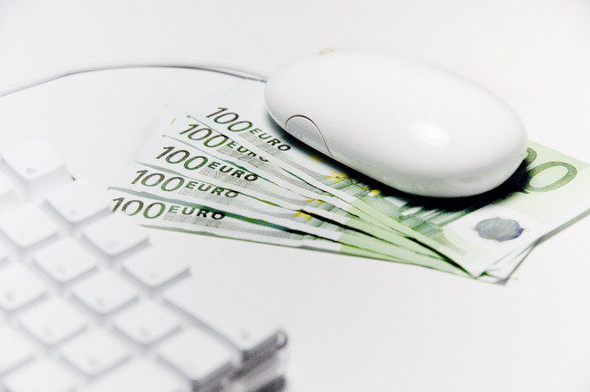 Polacy pokochali bankowość mobilną